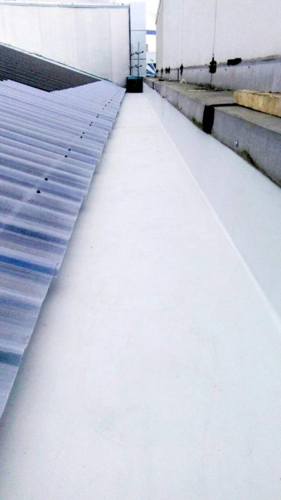 TPO box gutter with clear roofing